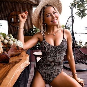 Trendy Snakeskin Halter Push Up Swimsuit with Belt